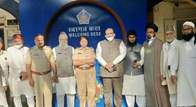 ممبئی میں وسیم رضوی کے معاملہ میں تما م مکتبہ فکر کے علماء کی پولیس کمشنر سے ملاقات اورایف آئی آر درج