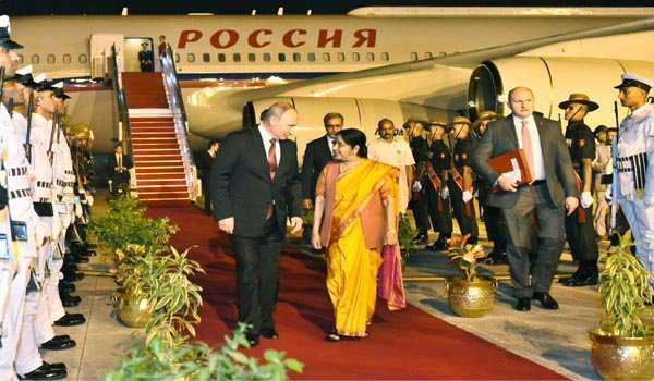 روسی صدر ولادیمیر پوتن ہندوستان پہنچے