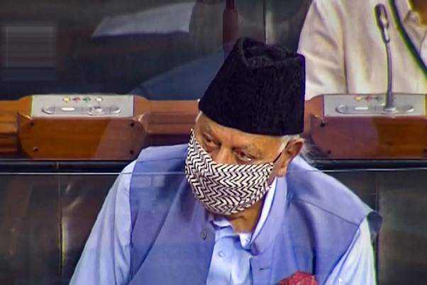 کشمیر میں امن کی بحالی کیلئے سابقہ حیثیت بحال کرنے کا فاروق کا مطالبہ