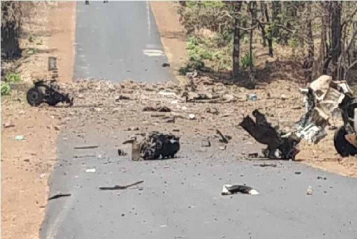 گڑھ چرولی میں نکسلی حملہ، 16جوان شہید