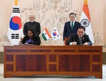 """جزیرہ نما کوریا میں """"امن اور استحکام"""" مذاکرات کے ذریعے: مودی"""