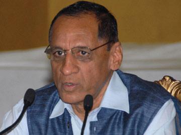 کمل ناتھن کمیٹی کا ریاستی گورنر کے ساتھ اہم اجلاس منعقد