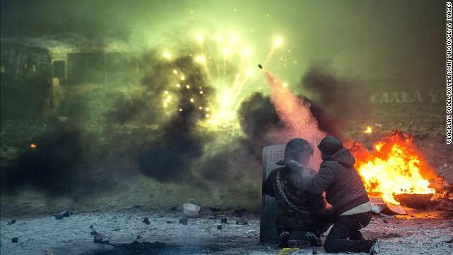یوکرائن: دارالحکومت کیو کا یورپین اسکوائر میدان جنگ بن گیا