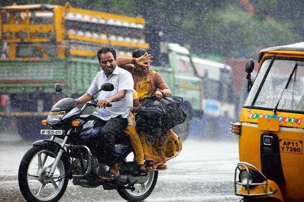 ریاست میں غیر موسمی بارش کی وجہ سے شدید نقصان