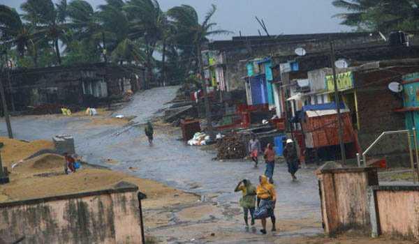 طوفان تتلی ، آندھراپردیش میں 8افراد ہلاک