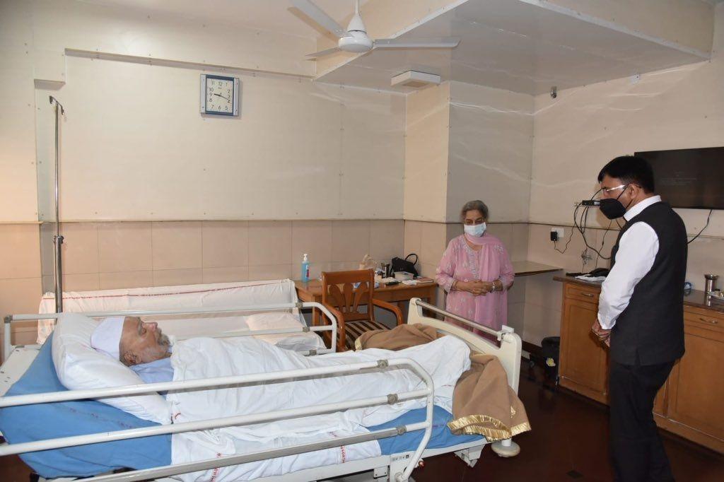 منموہن سنگھ ڈینگی میں مبتلا، خطرے سے باہر