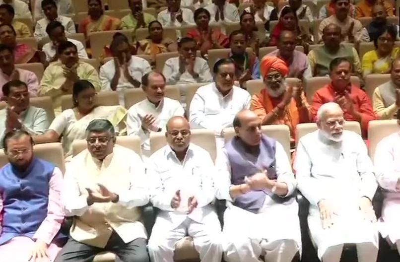 گاندھی جی کی 150ویں سالگرہ پر ہر پارلیمانی حلقے میں 150 کلومیٹر کی پد یاترا ہوگی