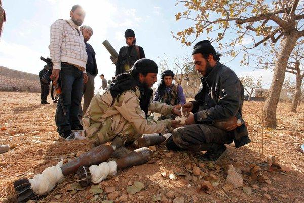 امریکہ نے شامی باغیوںکی امداد معطل کردی