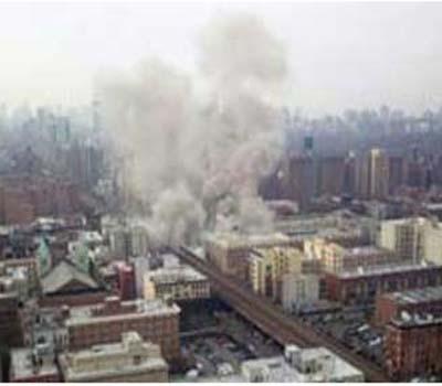 نیویارک میں ایک عمارت میں آگ اوردھواں کی خبر