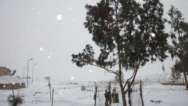 طویل مدت بعد مصر میں برفباری، درجہ حرارت صفر ہو گیا