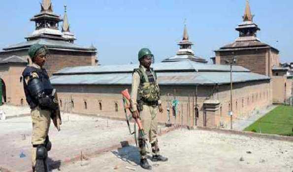 کشمیر: شہری کی ہلاکت کے خلاف مکمل ہڑتال، جامع مسجد میں مسلسل دوسرے جمعہ کو بھی نماز ادا نہ ہوسکی