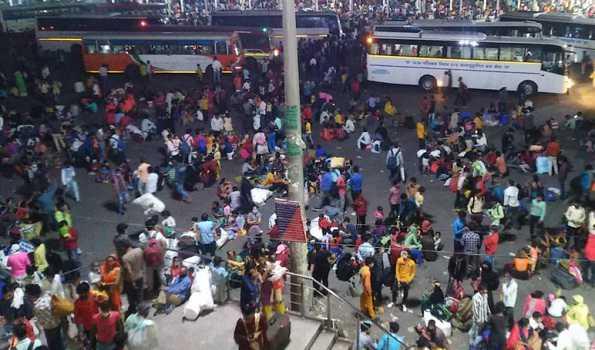 لاک ڈاؤن کے بعد بازار سنسان ، مزدوروں کی نقل مکانی تیز