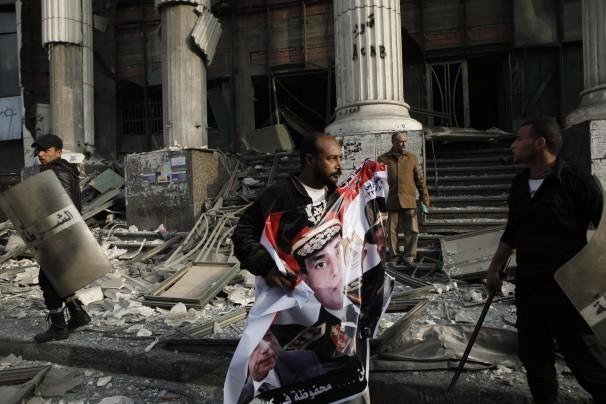 مصر میں نئے آئینی مسودہ پر ریفرنڈم، تشدد کے واقعات میں 9 افراد ہلاک