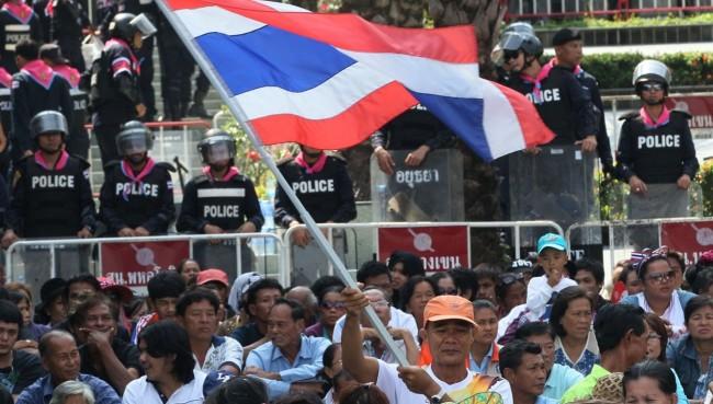 تھائی لینڈ: الیکشن کے قریب آتے ہی حکومت مخالف مظاہروں میں شدت