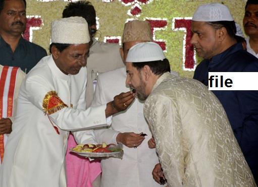 کے سی آر کی 66 کروڑ کی افطار پارٹی تنازعات کی شکار