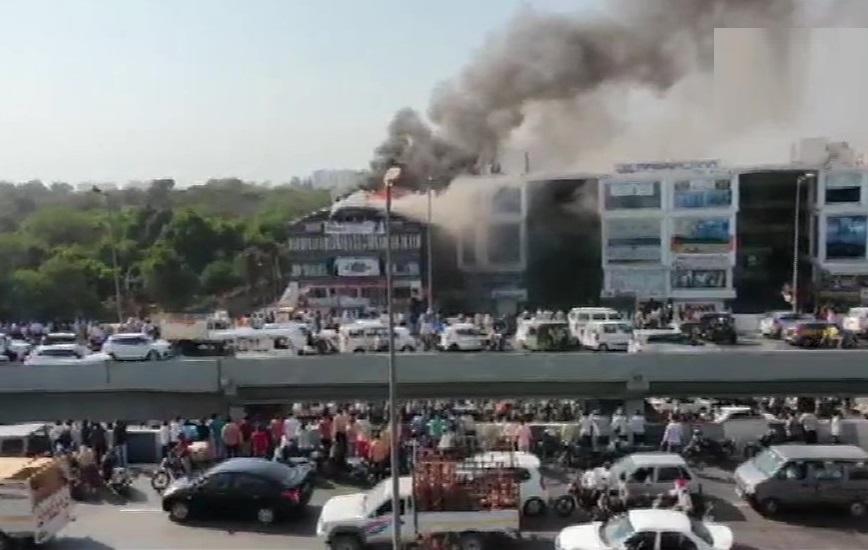 سورت کے کوچنگ سنٹر میں لگی آگ، 13 طلبہ کی موت