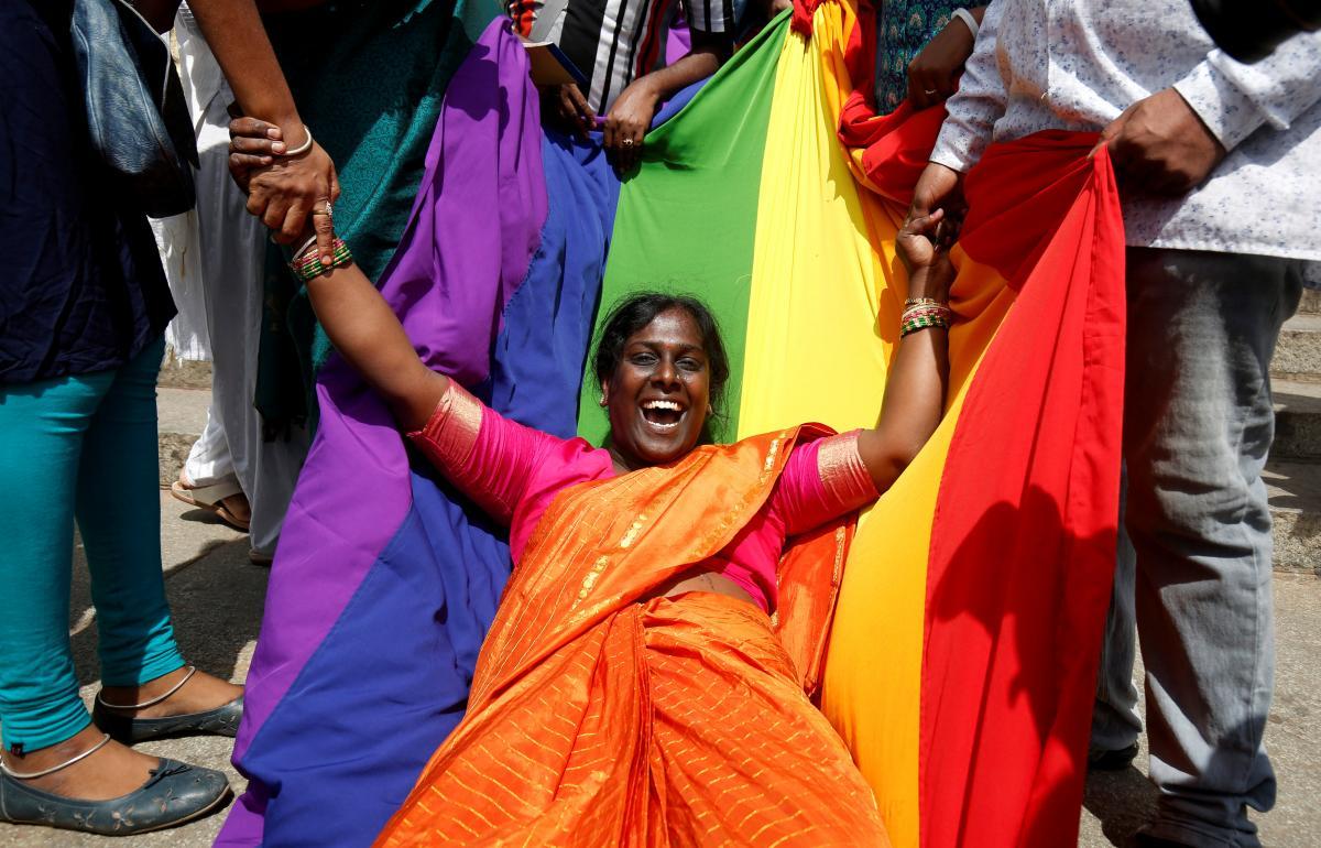 باہمی رضامندی سے ہم جنس پرستی تعلقات جرم نہیں: سپریم کورٹ