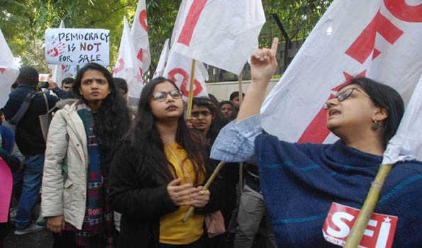 جے این یو حملے کے خلاف نکلا 'شہریوں کا مارچ'