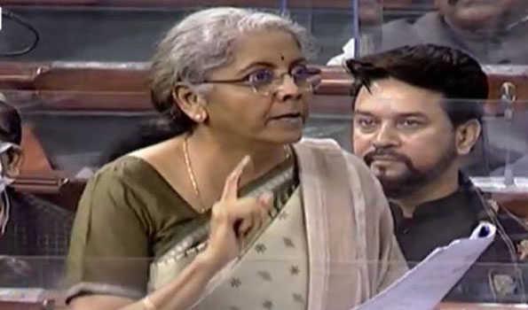 راہل گاندھی پارلیمانی جمہوریت پر یقین نہیں رکھتے: نرملا سیتا رمن
