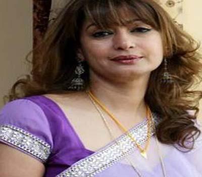مرکزی وزیر ششی تھرور کی بیوی سنندا پشکر کی مشتبہ حالا ت میں موت