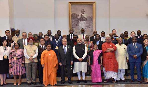 150 ویں یوم پیدائش پر گاندھی جی کو سووچھ بھارت کی شکل میں عملی خراج عقیدت: مودی