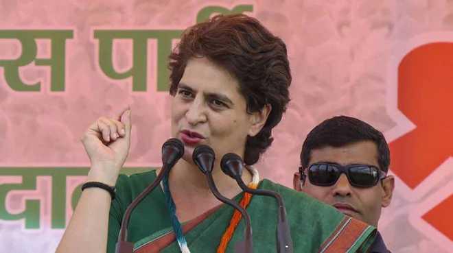 پھولوں کی بات کرنے والی یوگی حکومت لاٹھی کی کررہی ہے:پرینکا