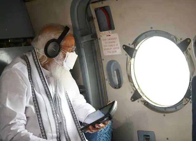 طوفان تاؤتے: مودی کا متاثرہ علاقوں کا دورہ، فضائی سروے، 1000 کروڑ روپیے کی فوری امداد