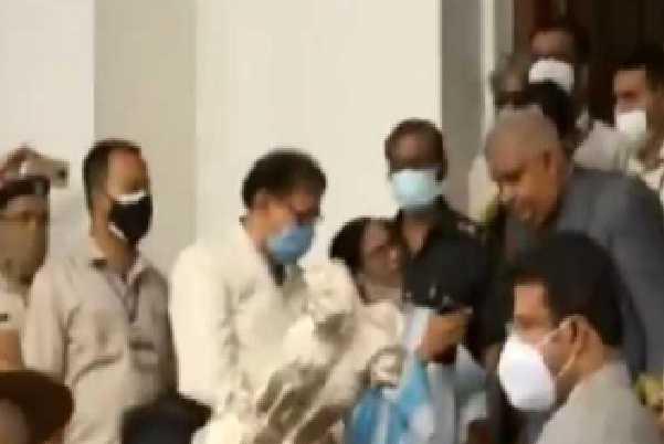 گورنر کےخطاب میں بنگال میں ہوئے تشدد کے واقعات کا ذکر نہیں تھا ۔اس لئے ہم نے احتجاج کیا:شوبھندو ادھیکاری