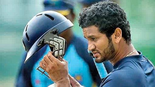 سری لنکا کے ٹسٹ کپتان کرونا رتنے پر 7500 ڈالر کا جرمانہ