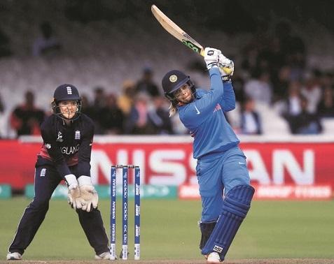 ہندستان کی خاتون ٹوئنٹی -20 ورلڈ کپ میں آسٹریلیا سے پہلا مقابلہ