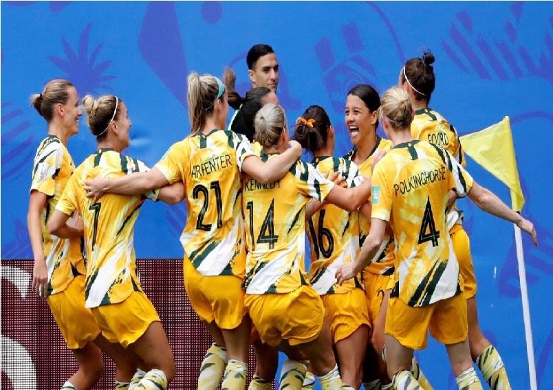 آسٹریلیائی خاتون فٹ بال کھلاڑیوں کو مردوں کے برابر تنخواہ ملے گی