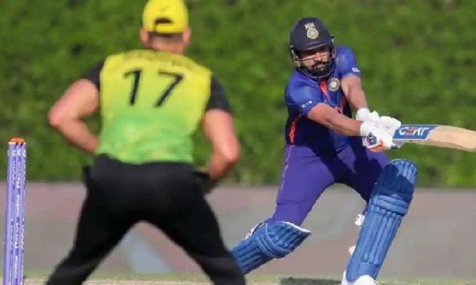 روہت کی نصف سنچری ، ہندوستان نے آسٹریلیا کو 9 وکٹوں سے شکست دی