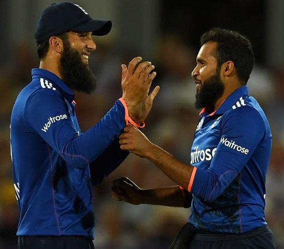 معین علی اور عادل رشید نے اپنی ٹیم کی جیت کے جشن میں شامل نہیں ہوئے : وجہ؟