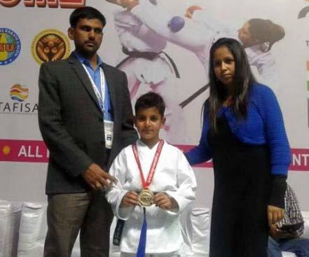 7 سال کے کشمیری لڑکے نے ایشیائی کراٹے چیمپئن شپ میں جیتا گولڈ