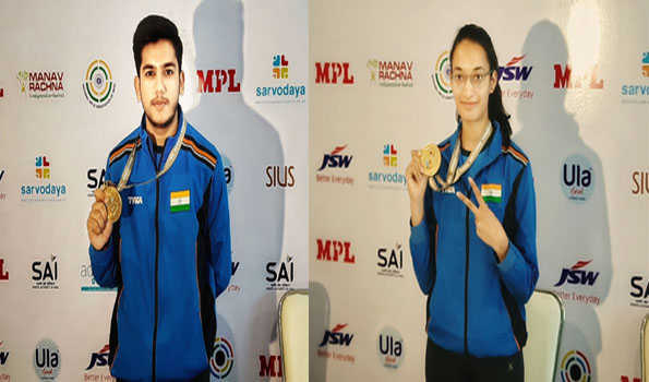 ایشوریہ اور چنکی نے طلائی تمغہ جیتا