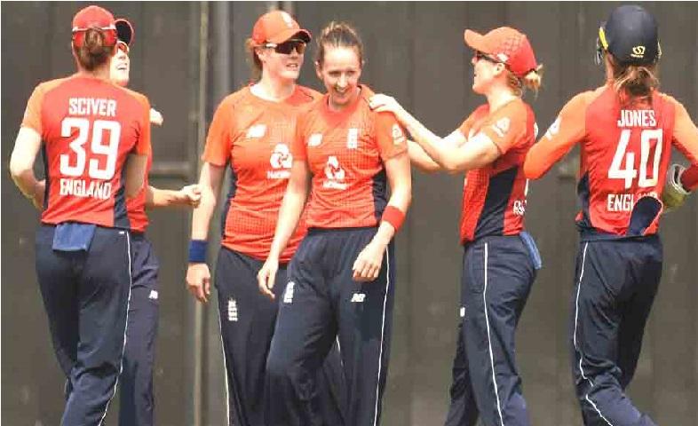 انگلینڈ سے لگاتار تیسرے میچ میں ہندوستانی خواتین ٹیم کو ملی شکست