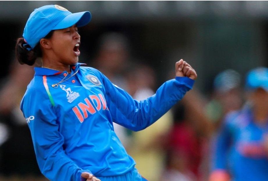 انگلش خاتون ٹیم کے خلاف بشٹ کی خطرناک گیند بازی