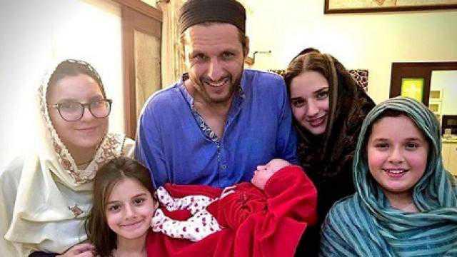شاہد آفریدی کے گھرپانچویں بیٹی کی پیدائش