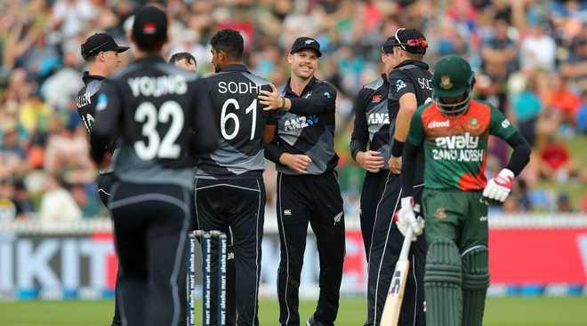 نیوزی لینڈ نے بنگلہ دیش کو 52 رنوں سے ہرا کر اسکور 2-1 کردیا