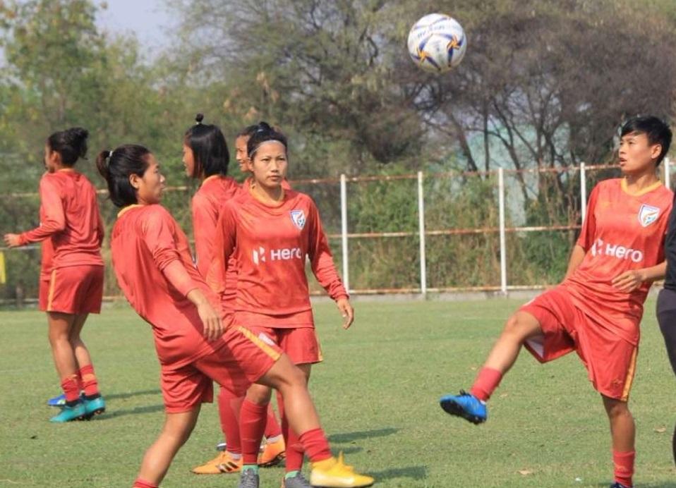 میانمار مقابلہ کو تیار ہندستانی خواتین