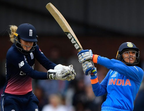 خواتین کرکٹ ورلڈ کپ 2017: ہندوستان نے انگلینڈ کو دیا 282 رنز کا ٹارگیٹ