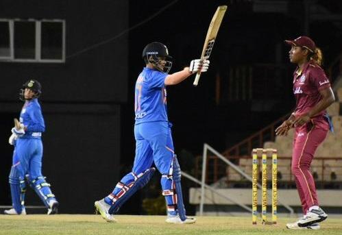 ہندوستانی خواتین ٹیم نے 50 رن کے اسکور کا دفاع کرتے ہوئے پانچ رن سے جیت حاصل کی