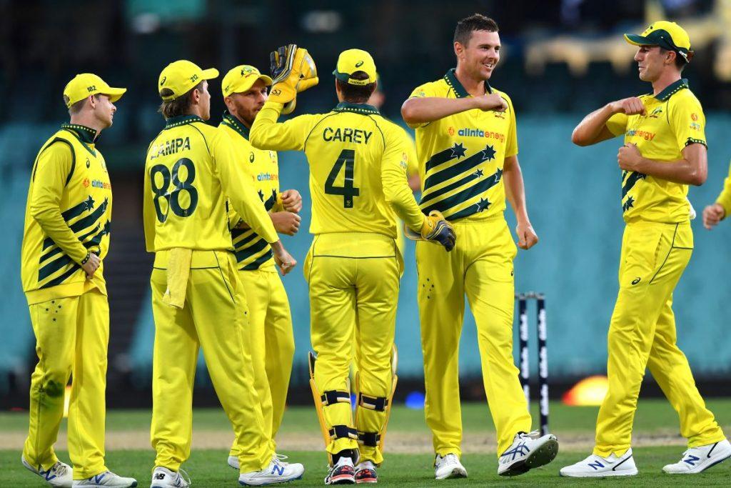 آسٹریلیا اور انگلینڈ کے 21 کھلاڑی سیدھے یو اے ای پہنچیں گے