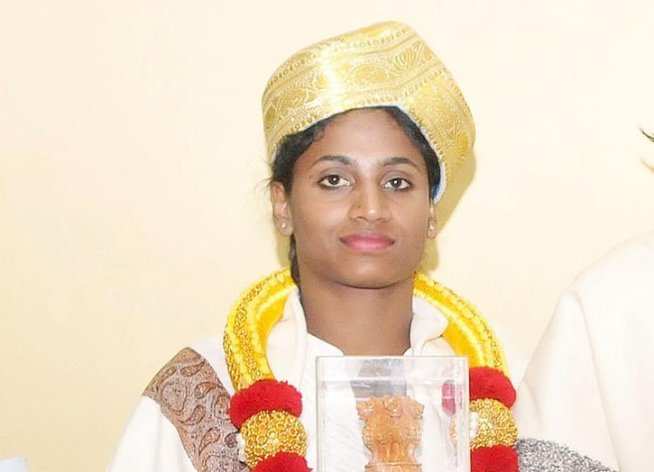 2011 ارجن ایوارڈ یافتہ تیجسونی بائی کو 2 لاکھ روپے کی مالی مدد دی گئی