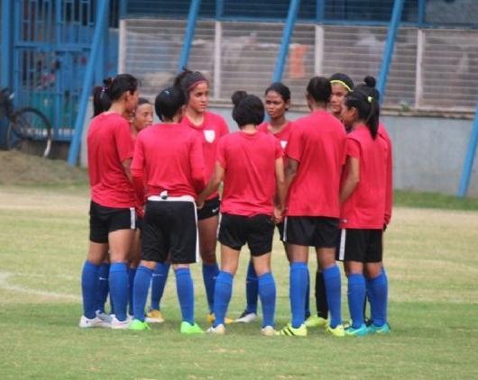 خاتون فٹبال ٹیم اولمپک کوالیفائر کی تیاریوں میں مصروف