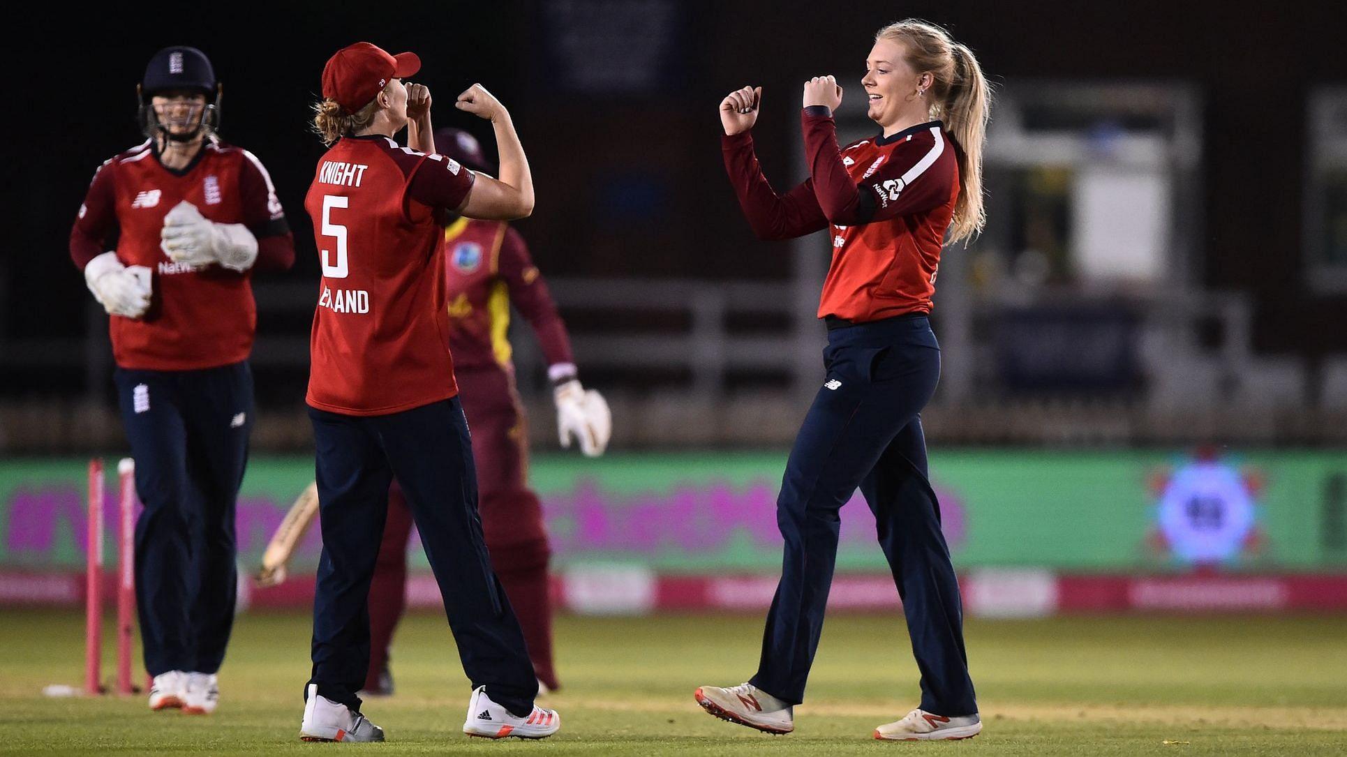 انگلینڈ خاتون کرکٹ ٹیم کی 47 رنز سے جیت