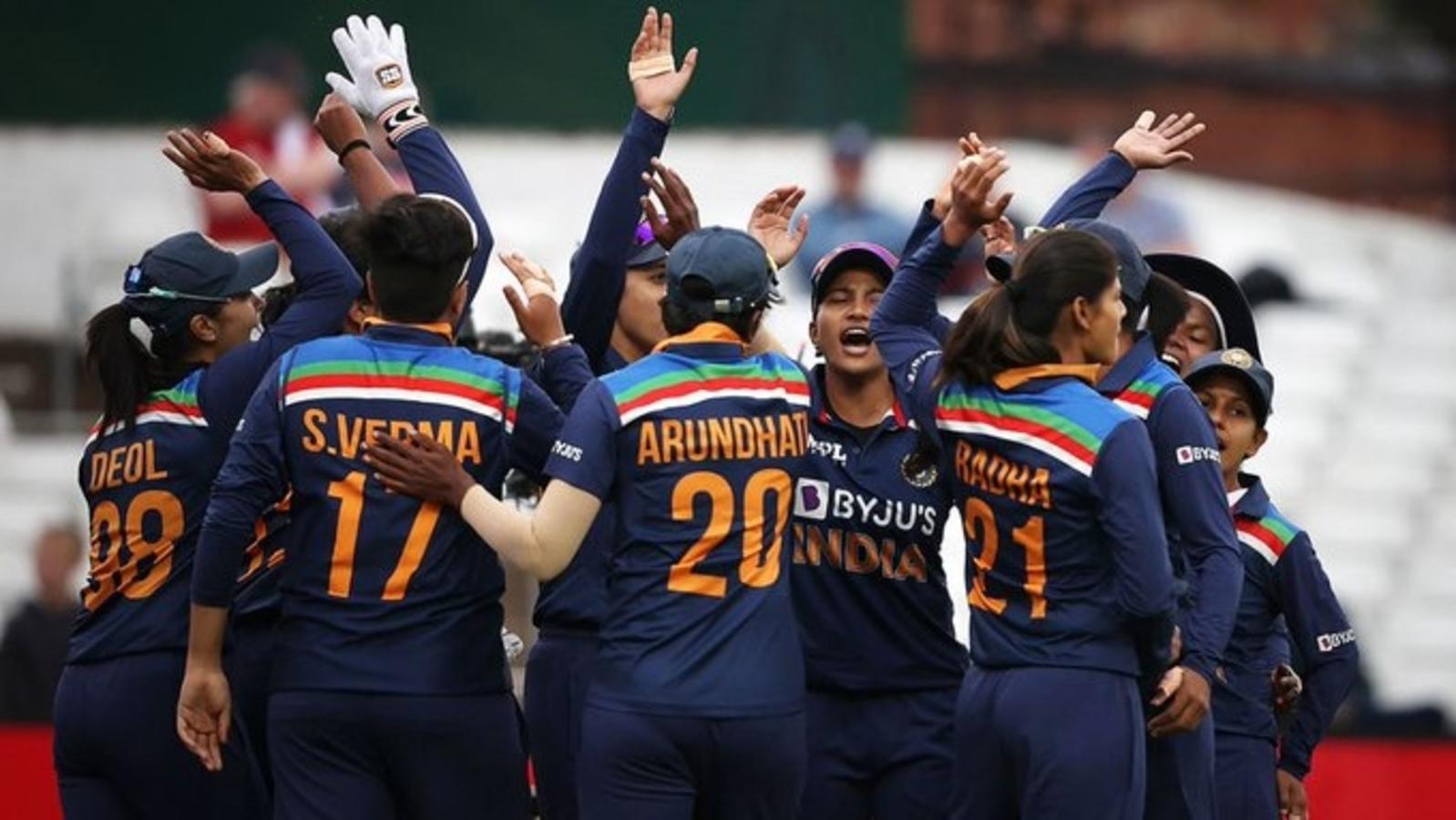 ہندوستان خاتون کرکٹ ٹیم پر سست اورریٹ کے لئے جرمانہ