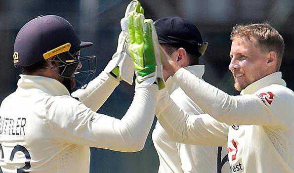 انگلینڈ نے سری لنکا کو اسی کے گھر میں کلین سویپ کیا