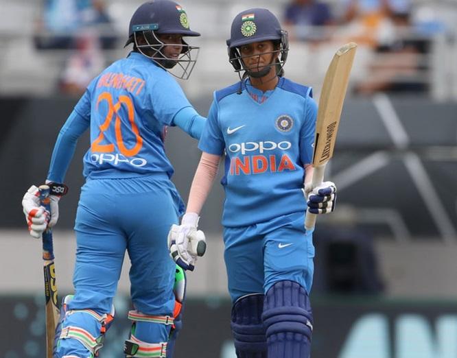 دو میچ کھوچکی ہندوستانی خاتون ٹیم، اب تیسرا ٹی20 جیتنے کی امید