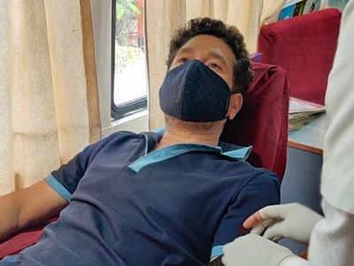 بلڈ ڈونر ڈے کے موقع پر کرکٹ کے لیجنڈ سچن تندولکر نے خون عطیہ کیا